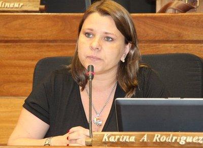 """""""Tengo la conciencia tranquila"""" dice Karina Rodríguez en un comunicado"""