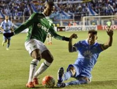 HOY / Boca y Racing empatan, Bolívar golea a gusto