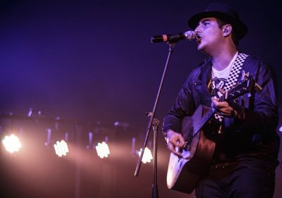 Pablo Benegas trabaja en un disco en vivo