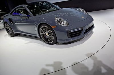 Porsche ganó 2.334 millones de euros en 2015, un 6,1% más