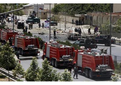 Tres misiles impactan en el recinto del Parlamento afgano sin causar víctimas