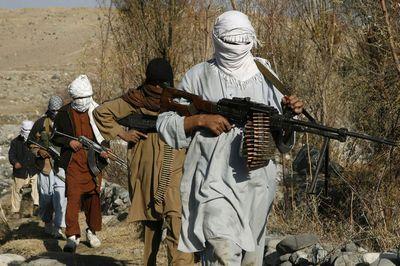 Talibanes afganos vuelven a atacar Kunduz en inicio de ofensiva de primavera