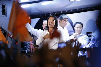 Peruanos, divididos por la prisión del ex presidente Fujimori