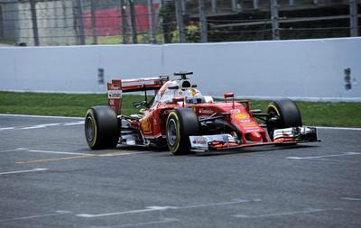 Vettel marca la pauta en Montmeló