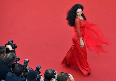Festival de Cannes con aplausos y abucheos espera la Palma de Oro