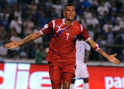 Panamá da el golpe al final ante Bolivia