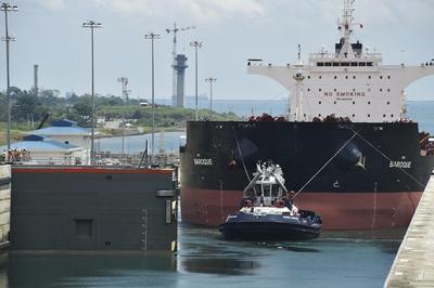 Panamá inició pruebas con barcos por nuevo Canal