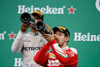 Hamilton ganó su quinto GP de Canadá con Ali en el recuerdo