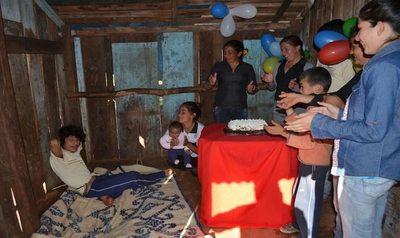 """El """"encadenado"""" de Capiibary: Osvaldito festejó su cumpleaños número 27"""
