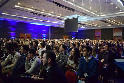 Congreso reúne a más de 900 jóvenes emprendedores