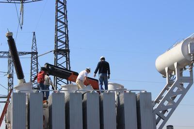 Empalman el cuarto transformador de 80 MVA en el país
