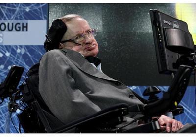 Detienen a mujer que amenazó a Stephen Hawking