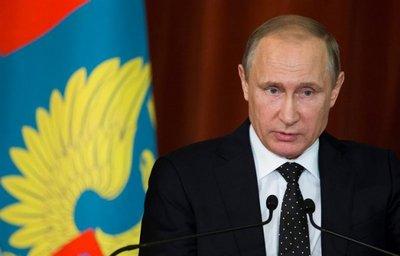 Putin pide a Merkel y Hollande que presionen a Kiev