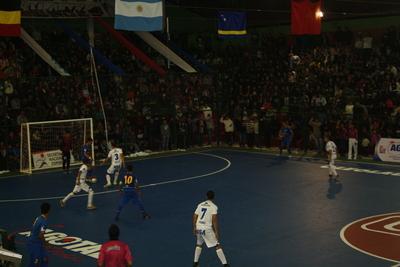 Paraguay inaugura mundial con goleada