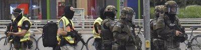 Al menos 9 muertos en tiroteo en centro comercial de Múnich
