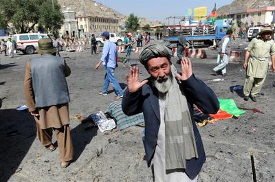 Estado Islámico reivindica el ataque en Kabul con al menos 61 muertos