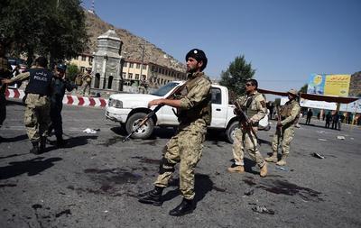 Sangriento atentado en Kabul deja al menos 80 muertos