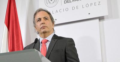 Cárdenas contrasta con logros gestión de Cartes con Nicanor