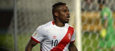 Pizarro, Vargas y Farfán fuera de lista previa de Perú