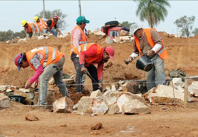 """Economía paraguaya vive """"situación inmejorable"""" y crecerá este año un 3,5%"""