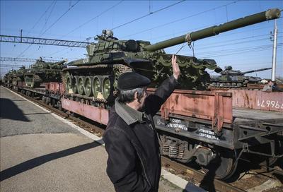 Poroshenko pone en alerta a sus tropas en la frontera con Crimea