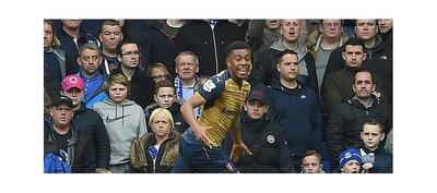 Arsenal se sobrepone de eliminación europea a costa del Everton