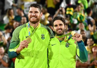 Brasil conquista oro de vóley playa masculino