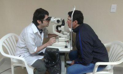 Itaipu financia cirugías oftalmológicas en Pilar