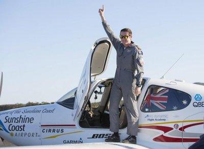 Adolescente australiano es el piloto más joven en sobrevolar solo la Tierra