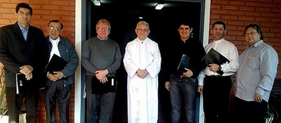 Papa ordena que diócesis tengan tribunales para anular matrimonios