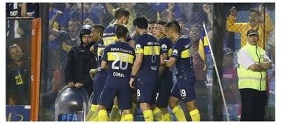 Boca logra su primer triunfo, pero sufre la expulsión de Tevez