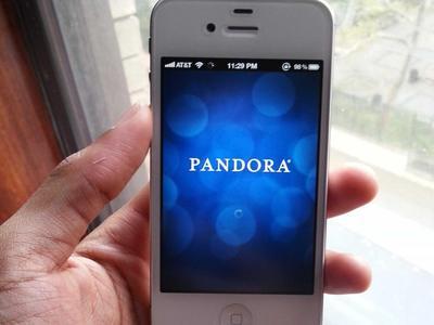 Pandora firma acuerdos con Universal y Sony Music