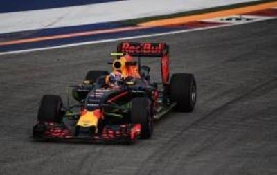 F1: Verstappen desplaza al poderío de Mercedes