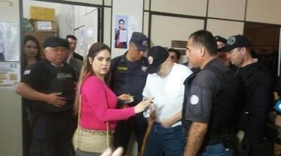 Repulsiva actitud de Paraguayo Cubas ante juzgado de su causa
