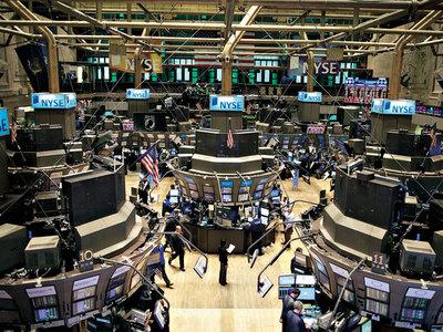 Wall Street abre con pérdidas y el Dow Jones baja un 0,77 %