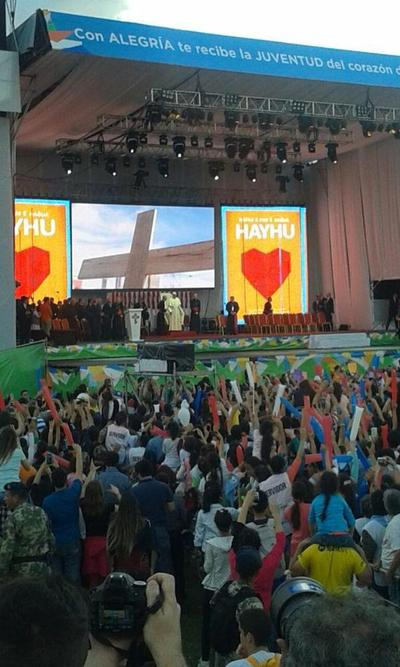 """Francisco a jóvenes paraguayos: """"Hagan lío, pero organícenlo bien"""""""