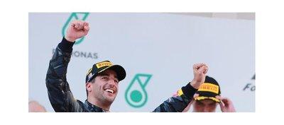 Ricciardo triunfa y Rosberg sale más líder del Malasia