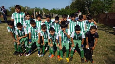 Escuela de Fútbol de Natalio, a un paso del título