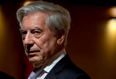 """Panamá Papers: Vargas Llosa fue accionista de una """"offshore"""""""