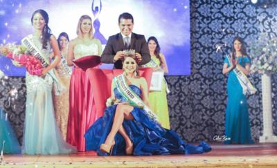 Azucena Medina es la nueva reina de Presidente Franco