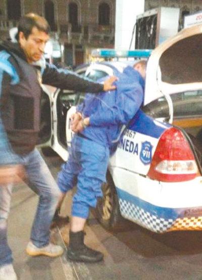 Polinarcos entregaban droga con la patrullera