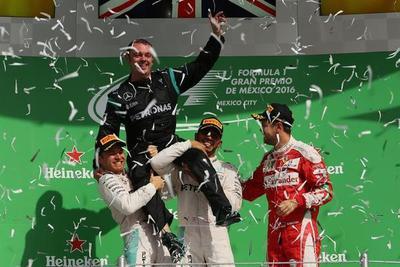 Hamilton ganó en México y reduce distancias