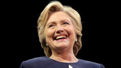Clinton aventaja 15 puntos a Trump