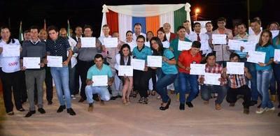 Cerca de 900 jóvenes de Itapúa aprendieron oficios mediante el SNPP