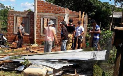 Temporal afectó varias viviendas de María Auxiliadora, Itapúa