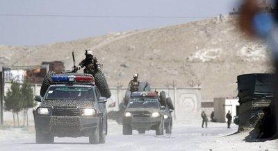 Explosión deja muertos y heridos en base de EEUU en Afganistán