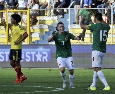 Bajo presión, Bolivia se renueva para recibir a Paraguay