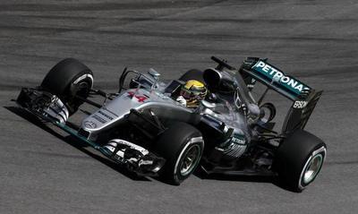 Hamilton quiere amargar a Rosberg