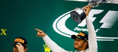 Hamilton ganó en Brasil y le peleará el título a Rosberg en Abu Dabi