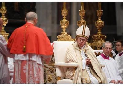 El papa crea a los 17 nuevos cardenales, 13 electores, en un acto en el Vaticano